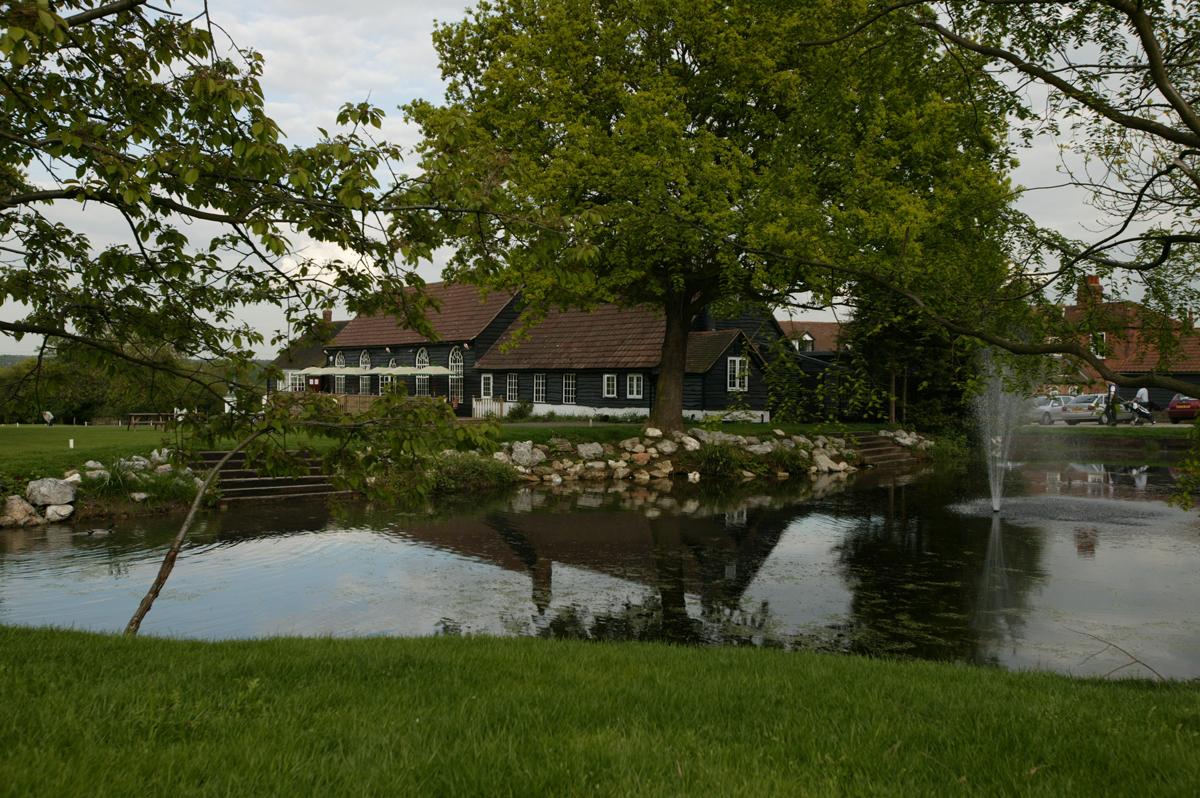 weddings maylands golf club. Black Bedroom Furniture Sets. Home Design Ideas